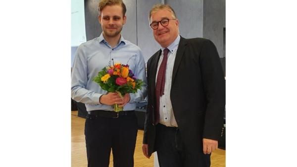 Sven Rühmeier bei seiner Verpflichtung durch den Regionspräsidenten Hauke Jagau