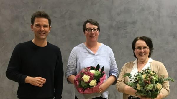 Der Kandidat für das Amt des Regionspräsidenten, Steffen Krach, und die Vorsitzende des SPD-Unterbezirks Region Hannover, Claudia Schüßler, gratulieren Silke Gardlo (Mitte) zu ihrer Wahl als Vorsitzende der SPD-Regionsfraktion Hannover.